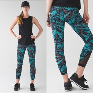 Lululemon inspire tights II palm lace Tofino size 8